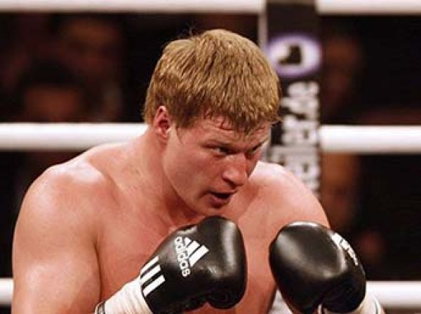 Российский боксер Поветкин отстранен WBC на неопределенный срок