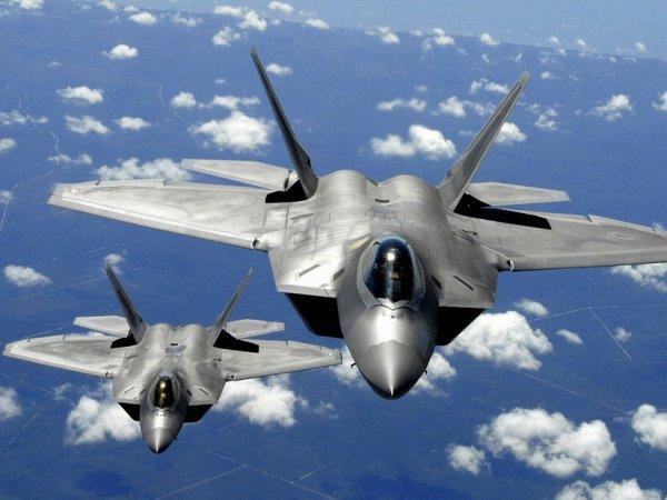 """Пентагон заявил о четырех """"опасных сближениях"""" самолетов НАТО и ВКС РФ"""