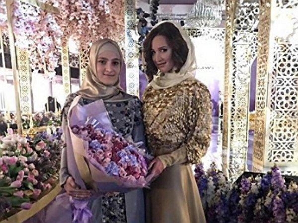 Дочь Кадырова представила свою первую коллекцию вечерних платьев модного дома Firdaws