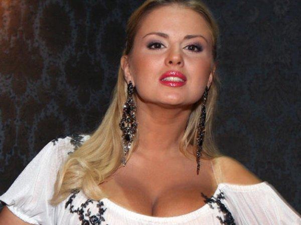 ФОТО голой Анны Семенович сделали рекламой для западного секс-чата