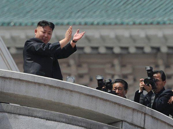 КНДР впервые показала ракеты для подводных лодок на параде в Пхеньяне