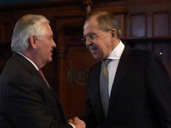 Лавров обсудил с Тиллерсоном расследование химатаки в Сирии