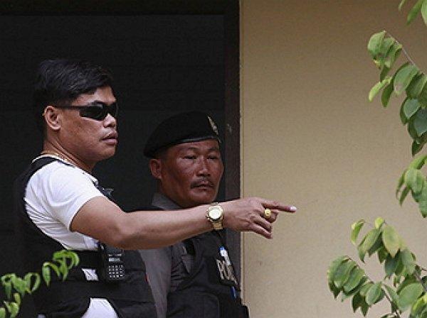 В Тайланде отец повесил в прямом эфире годовалую дочь и покончил с собой