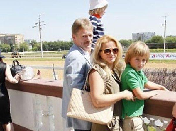 Сыну Пескова на 13-летие подарили торт в виде Gelandewagen с мигалками (ФОТО)