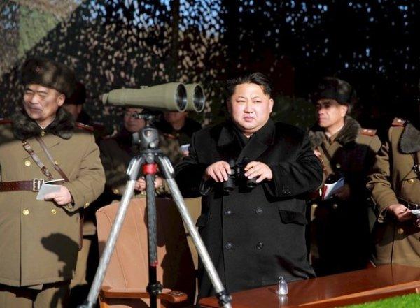 В КНДР прошли грандиозные стрельбы в честь годовщины создания армии