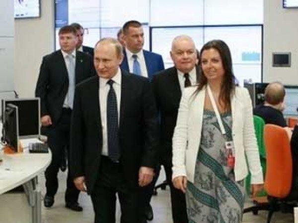 """""""Шеф, все пропало!"""": сенатор США принесла на заседание """"засекреченное"""" ФОТО  Путина и Симоньян"""