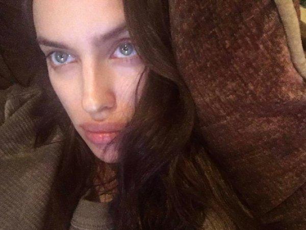 Ирина Шейк удивила фанатов первым фото после родов в Instagram