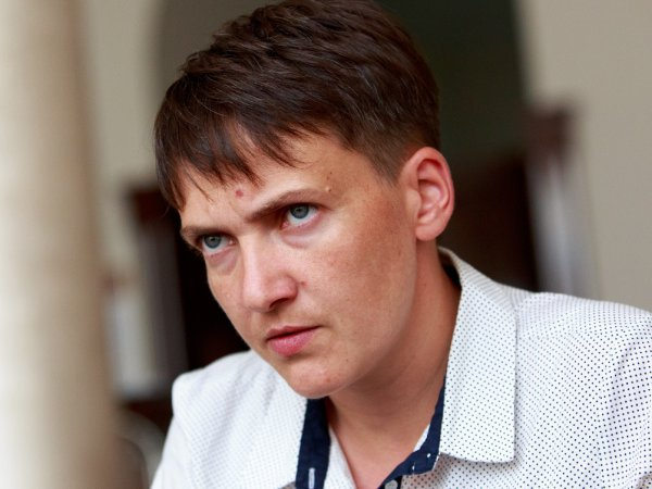 СМИ: в Киеве автомобиль Савченко сбил женщину