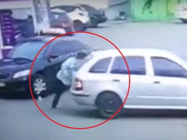 Сестра Надежды Савченко случайно наехала на машине на бабушку