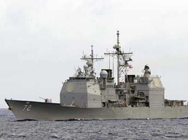 Иранский катер вынудил изменить курс ракетный эсминец США
