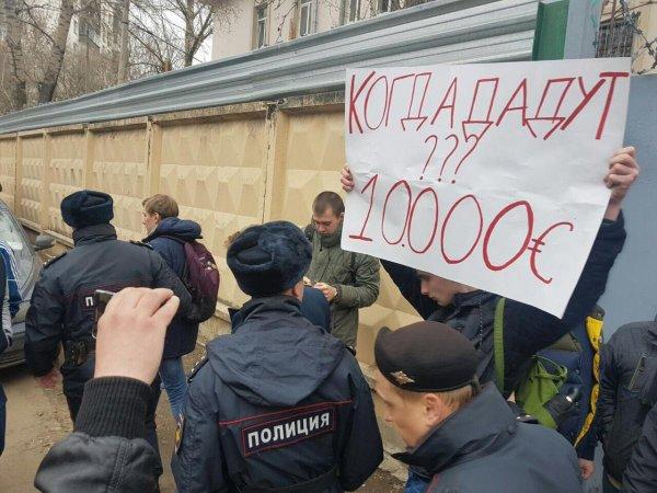 """СМИ: """"обманутый Навальным школьник"""" оказался студентом Академии госслужбы"""