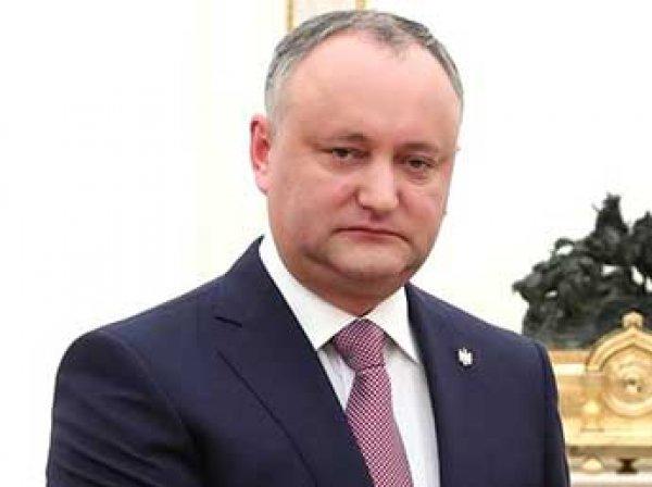 """""""Что, совсем страх потеряли?"""": президент Молдавии вызывает правительство на """"жесткую битву"""" после высылки дипломатов РФ"""