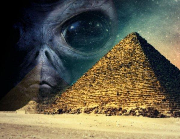 В секретной комнате в египетской пирамиде нашли капсулу с пришельцем
