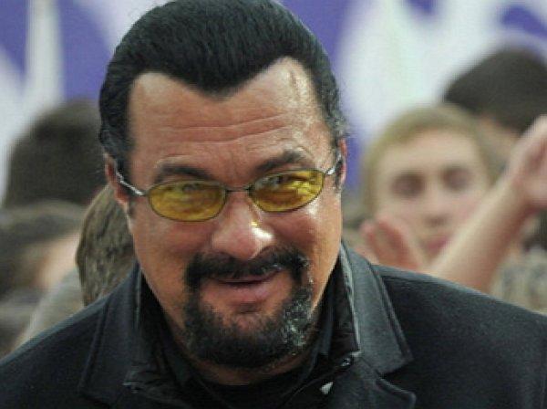 Решение Украины не пускать к себе Стивена Сигала рассмешило актера