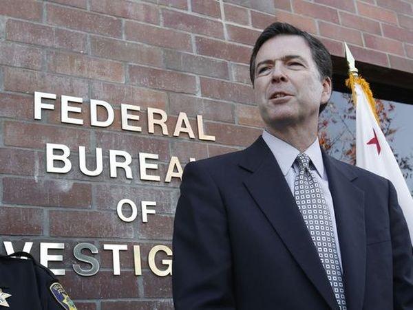 СМИ: глава ФБР принял за розыгрыш новость о своем увольнении