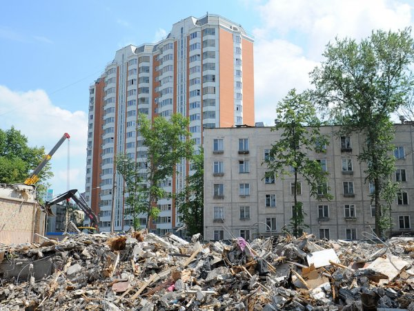 Список домов под снос в Москве до 2020: каждому жителю пятиэтажки в ходе реновации предложат на выбор 3 дома для переселения