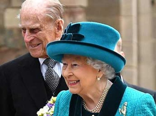 СМИ узнали причину экстренного тайного собрания у Елизаветы II