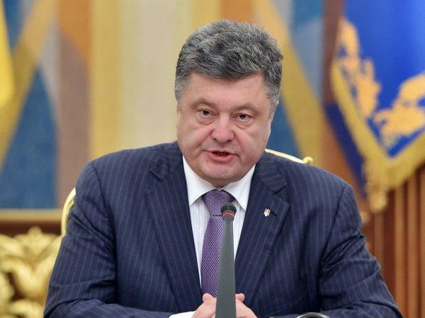"""""""Щупальца Кремля тянутся к глоткам"""": Порошенко объяснил Европе запрет """"Вконтакте"""" на Украине"""