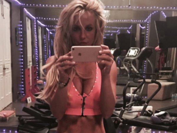 Бритни Спирс поделилась горячим ВИДЕО из спортзала в Instagram