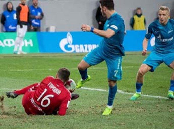"""Футболисты """"Зенита"""" отказались играть на новом стадионе из-за плохого состояния поля"""