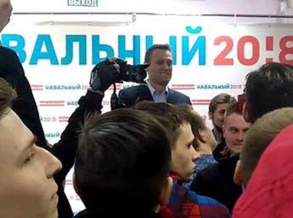 Во Владимире школьникам, посетившим штаб Навального, пригрозили изъятием из семей