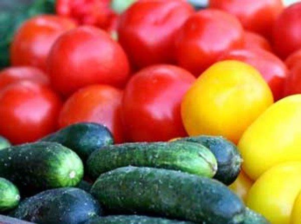 Ученые: смешение в салате огурцов и помидоров может быть опасно для здоровья