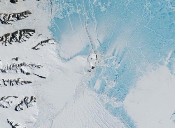 YouTube ВИДЕО: россиянин нашел в Антарктиде инопланетный корабль
