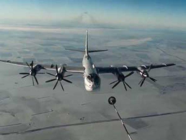 Минобороны РФ показало видео полета Ту-95 возле Аляски