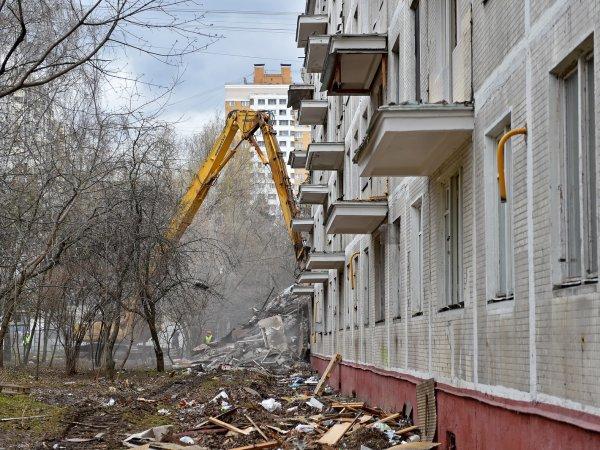 Список домов под снос в Москве до 2020 года: жители пятиэтажек, не попавших под реновацию, требуют сноса своих домов