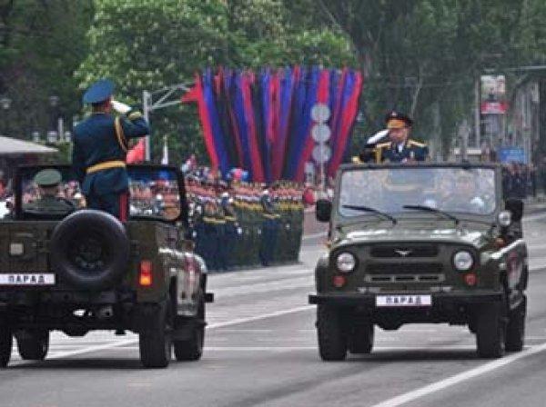 На параде Победы в Донецке демонстрировали советскую и российскую военную технику (ФОТО, ВИДЕО)