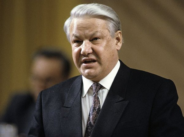 Горбачев рассказал Коротичу, что Ельцин резал себе вены