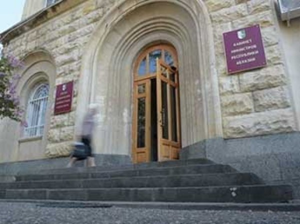 СМИ: в здании правительства Абхазии раздалась стрельба
