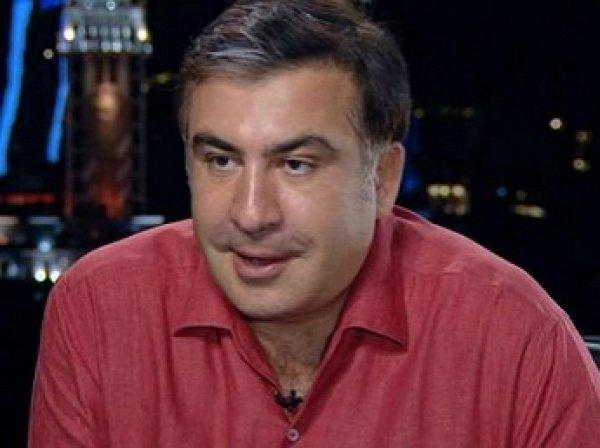 Саакашвили потребовал у Порошенко 50 евро за испорченную зеленкой футболку