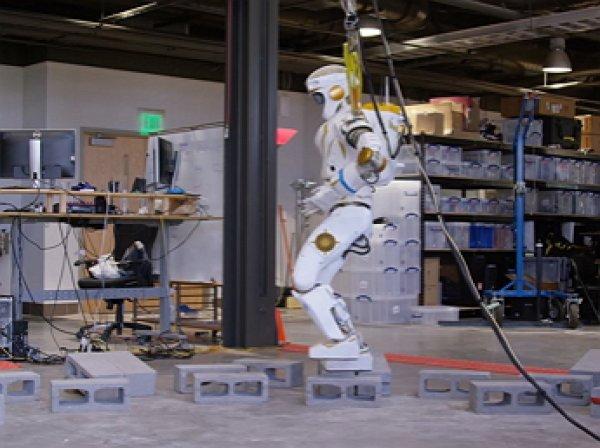 YouTube ВИДЕО: NASA показало марсианского робота-«Валькирию» в действии