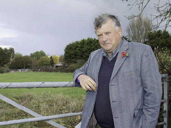 В Британии собака на тракторе задавила хозяина-мультимиллионера