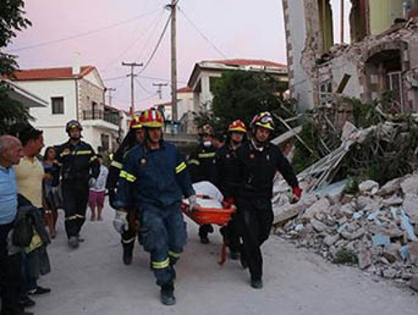 На Лесбосе близ Турции землетрясение оставило без жилья сотни человек, есть жертвы