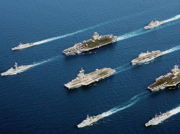 США стягивают корабли и авиацию для атаки авиабазы – СМИ