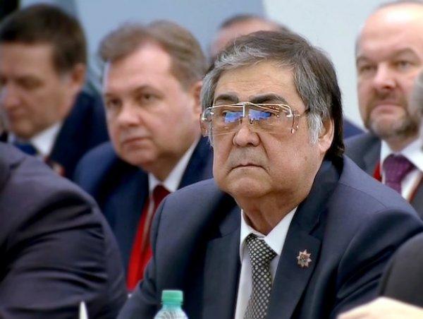 Губернатор Кузбасса Аман Тулеев дважды продлил отпуск и перестал появляться на публике