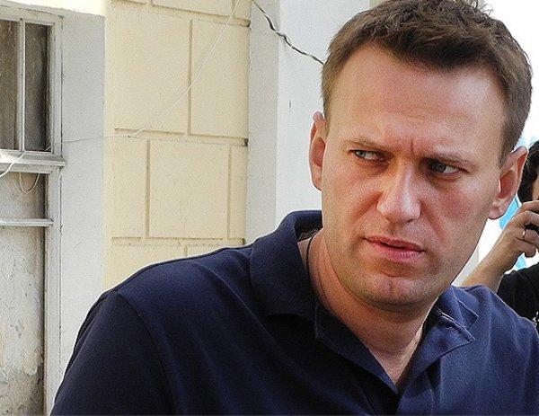 Митинг в Москве 12 июня 2017 пройдет без Навального: политика задержали в подъезде дома (ФОТО)