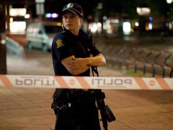 В Норвегии 15-летняя девочка зарезала сотрудницу ТЦ