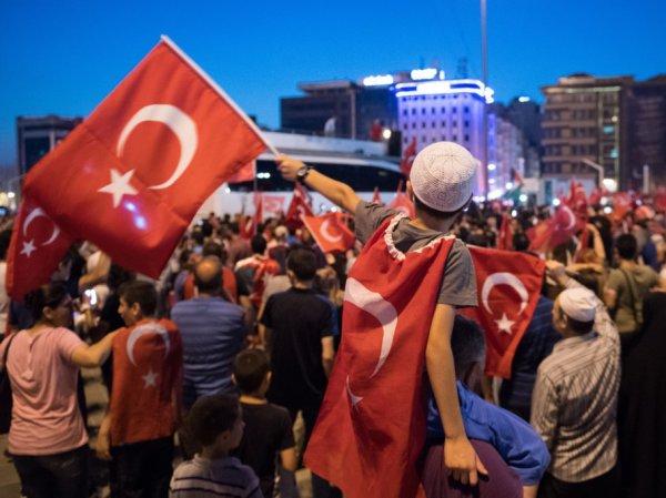 Турция запретила въезд 4128 россиянам из-за подозрений в связях с ИГИЛ