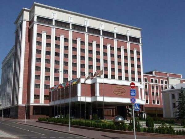 Делегаты России, ЛНР и ДНР покинули переговоры в Минске из-за представителя Украины