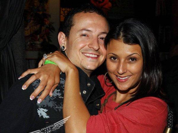 Честер Беннингтон из Linkin Park после смерти стал мишенью для хакеров (ФОТО, ВИДЕО)