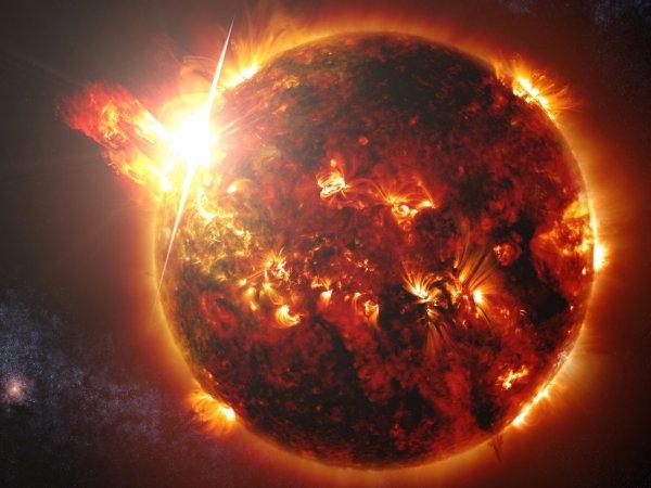 Ученые: мощная вспышка на Солнце грозит катаклизмами Земле