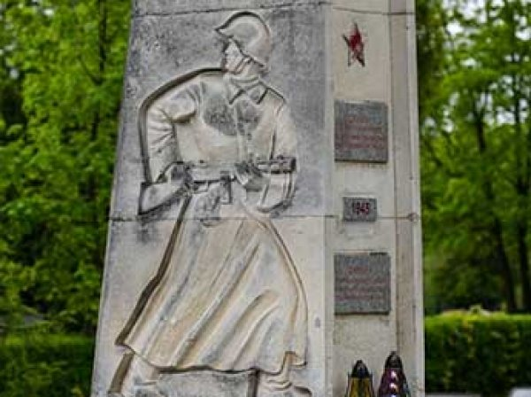 СМИ узнали, какие Россия примет меры в ответ на снос советских мемориалов в Польше