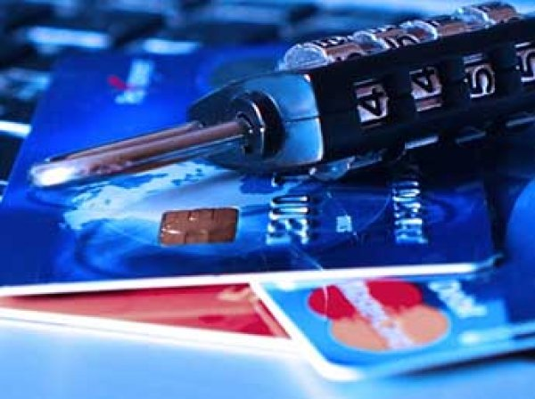 В России пользователи Android подверглись атаке нового вируса - он крадет деньги с карт