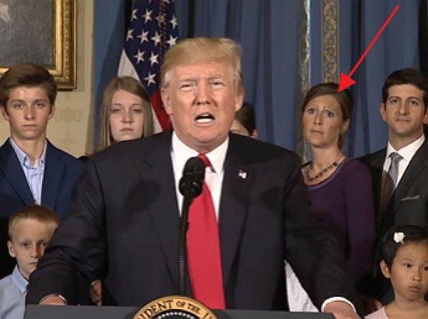 YouTube насмешило видео выступления Трампа, которого затмила женщина с бровями