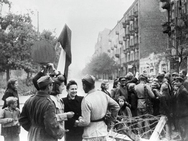 Минобороны РФ опубликовало рассекреченные документы об освобождении Польши от нацистов (ФОТО)