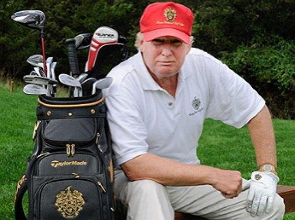 Трамп провел четверть своего президентства в гольф-клубах – СМИ