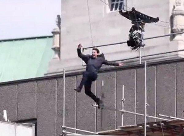 """Том Круз получил травму, влетев в стену на съемках """"Миссия невыполнима 6"""" (ВИДЕО)"""